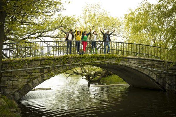 Študenti v parku v Bostone