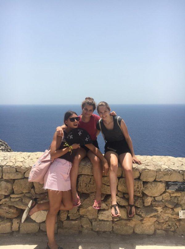 Moje kamarátky na jazykovom pobyte na Malte.