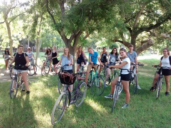 Učiť sa jazyk je ako učiť sa bicyklovať.