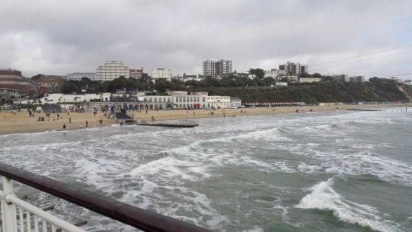 Adam strávil dva týždne na jazykovom pobyte v Anglicku v prímorskom meste Bournemouth.
