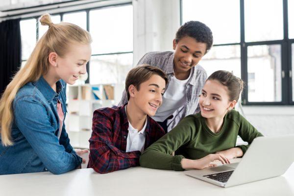 Kanada podporuje systém kvalitného vzdelávania.