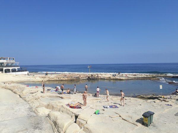 Voľný čas pri mori na Malte.