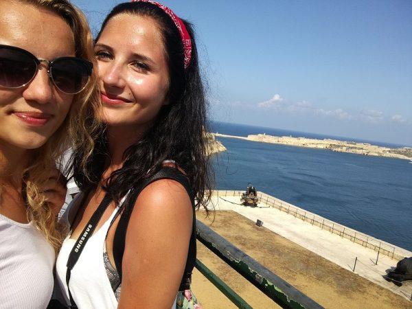 Noví priatelia na jazykom pobyte na Malte
