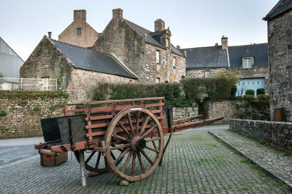 Stredné školy na západe Francúzska v historických mestách.