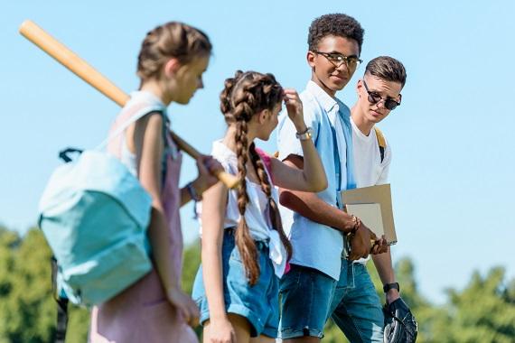 Stredné školy v Sea to Sky ponúkajú mnoho mimoškolských aktivít.