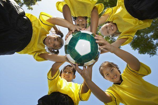 Prázdninový jazykový pobyt môže byť zaujímavý aj pre mladých športovcov!
